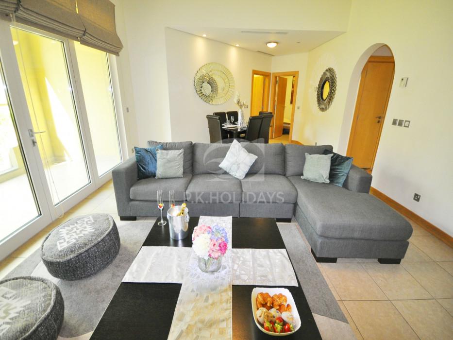 2 Bed + maids Apt with FREE Access to Riva Club, Al Nabat, Shoreline Apartments, Palm Jumeirah, Dubai