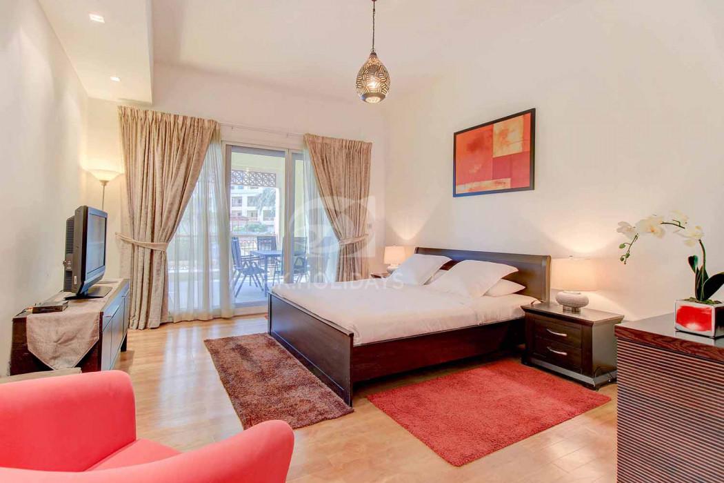 Fantastic Location | Large Balcony | Pool View, Marina Residences 2, Marina Residences, Palm Jumeirah, Dubai