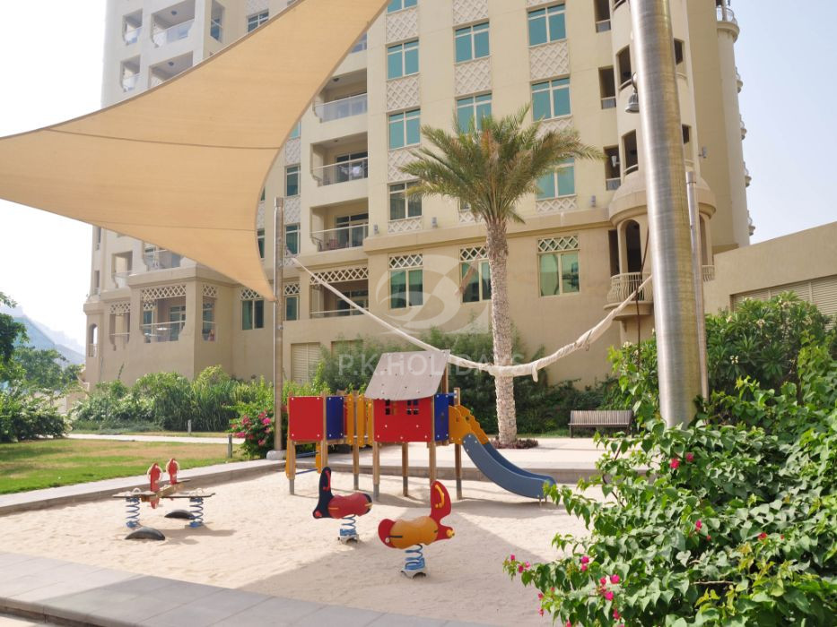 Stylish | Bright | Spacious 2 Bed+Maids | The Palm, Al Shahla, Shoreline Apartments, Palm Jumeirah, Dubai