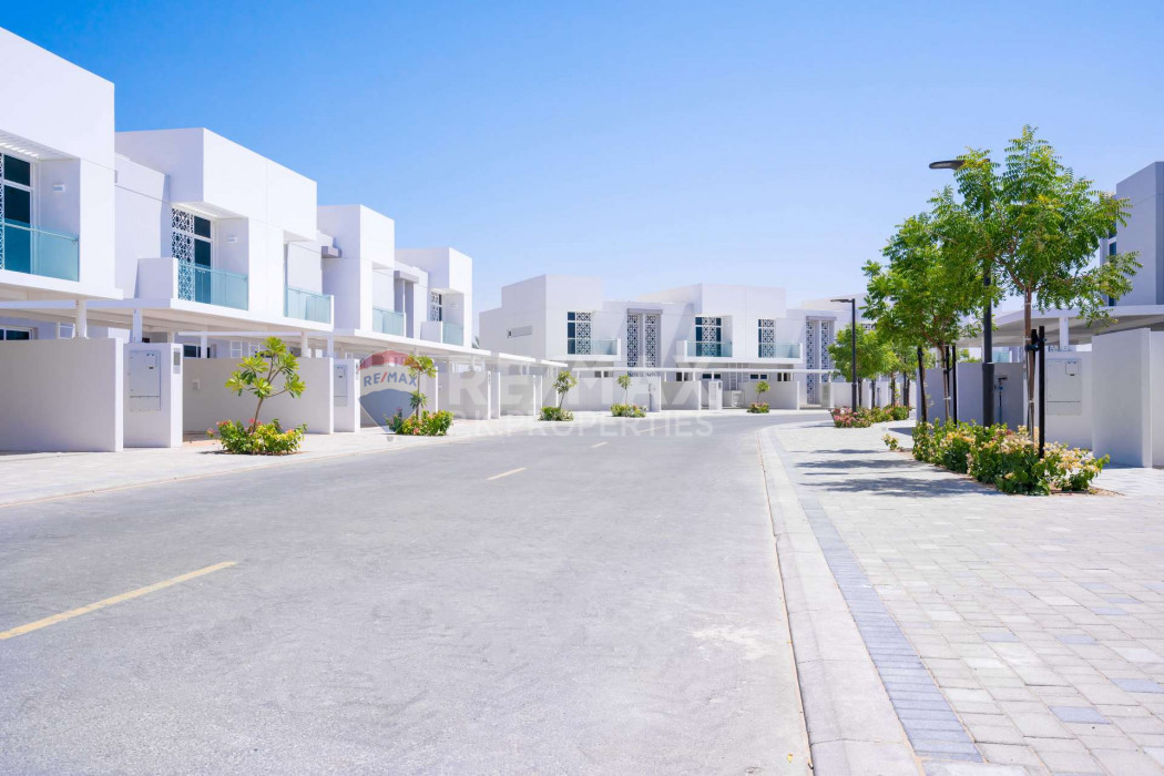 Opposite Pool And Park|4 Bed+Maid|Semi Detached - Arabella Townhouses 2, Arabella Townhouses, Mudon, Dubai