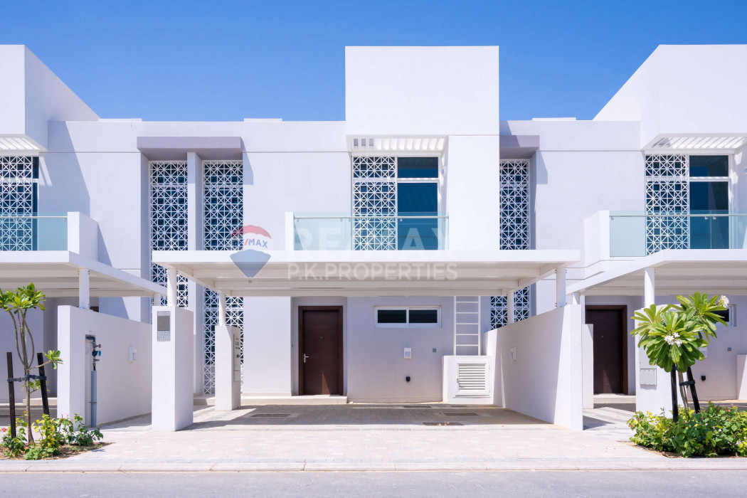 Opposite Pool |3 Bed+Maid| Mid Unit | For Rent - Arabella Townhouses 2, Arabella Townhouses, Mudon, Dubai