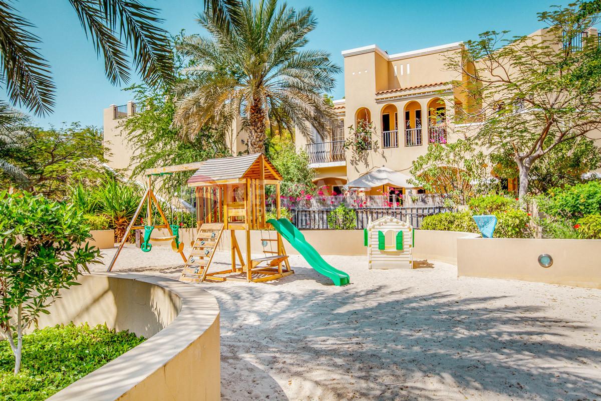 Best Unit | Upgraded/Biggest Garden | Vacant - Arenco Villas, Al Sufouh 2, Al Sufouh, Dubai