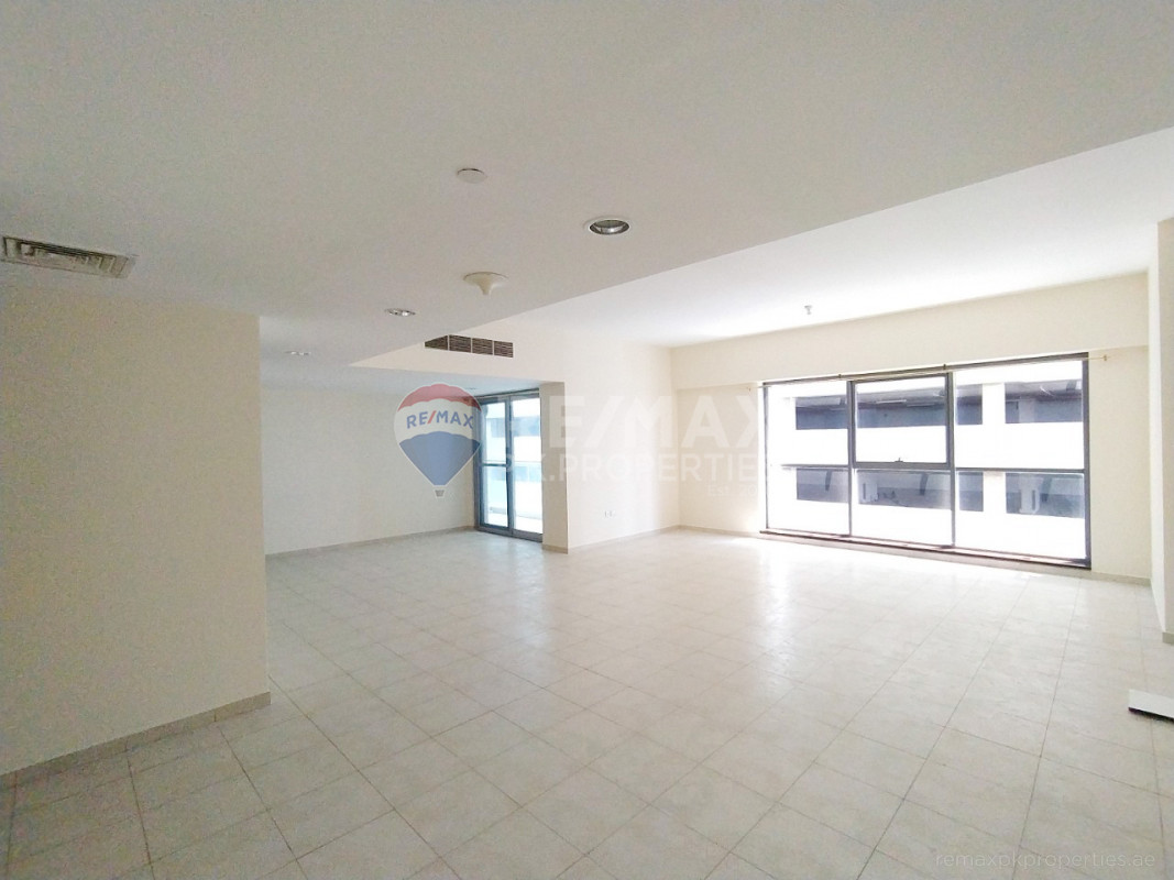 Spacious 3BHK   Maids   Ready To Move IN - Executive Tower M, Executive Towers, Business Bay, Dubai