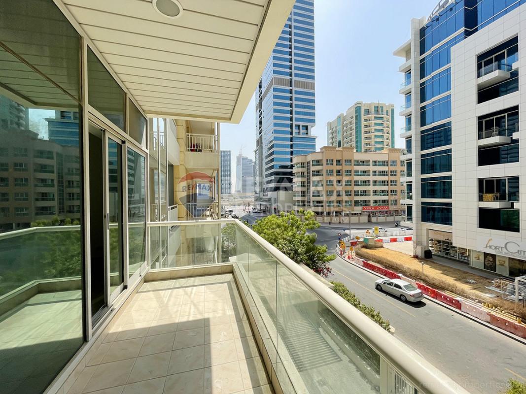 Large Layout | Chiller Free | Vacant - Westside Marina, Dubai Marina, Dubai