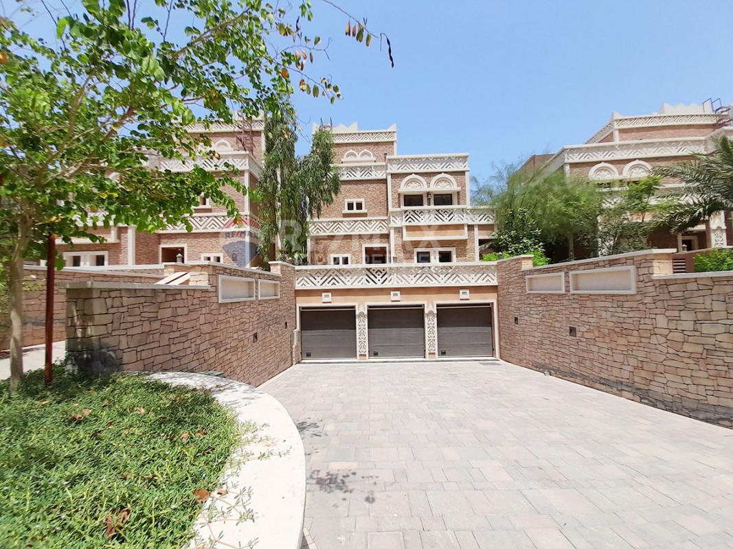 Beautiful 4 BR Villa at Balqis | G+1+B| Vacant - Balqis Residences, Kingdom of Sheba, Palm Jumeirah, Dubai