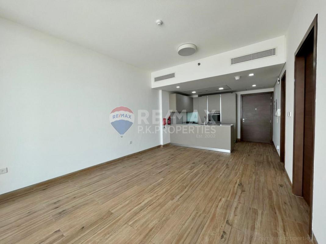Investor Opportunity | Modern | Fully Fitted Kitchen - East 40, Al Furjan, Dubai