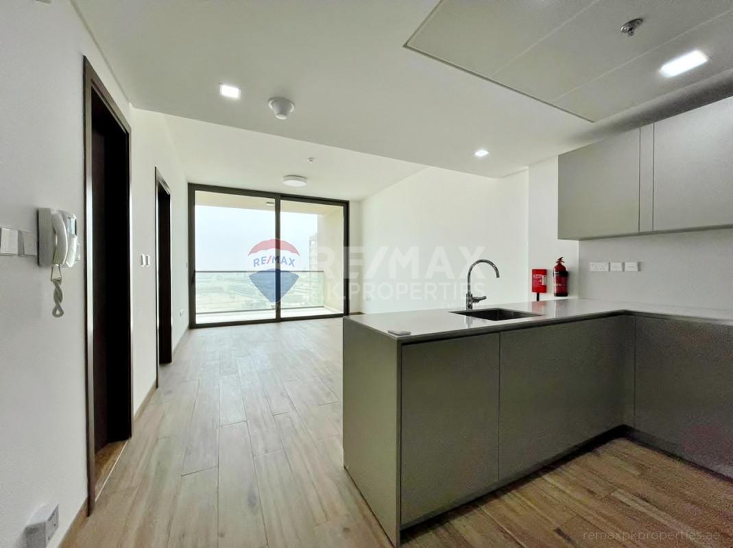 Modern   Fully Fitted Kitted   High End Finishing - East 40, Al Furjan, Dubai