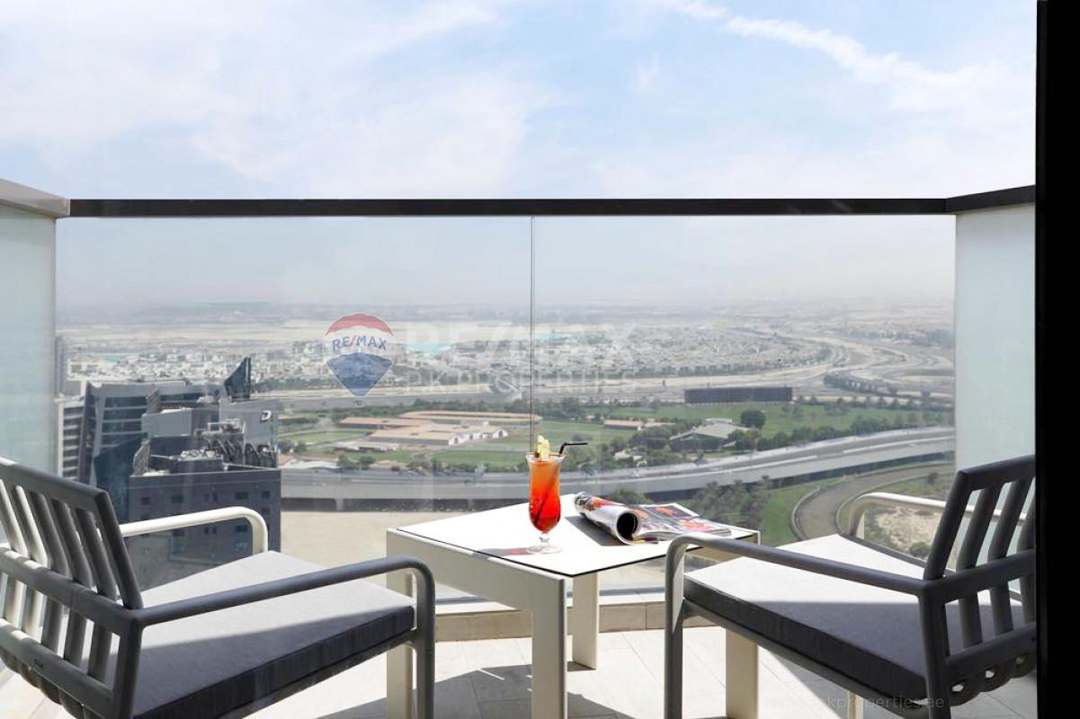 Resort Style Living   panoramic views - Millennium Atria, Business Bay, Dubai