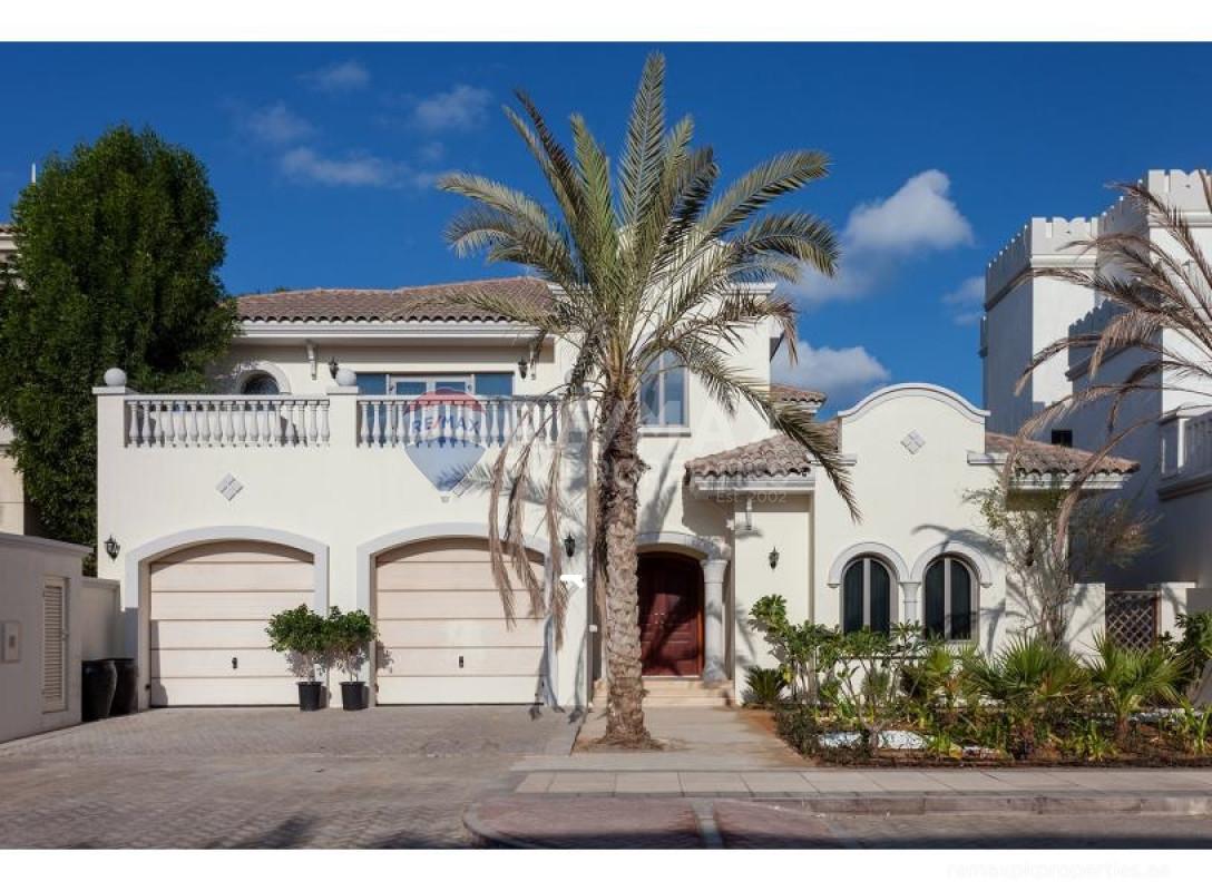 Grand Foyer | Luxuriously Furnished | VOT - Garden Homes Frond M, Garden Homes, Palm Jumeirah, Dubai