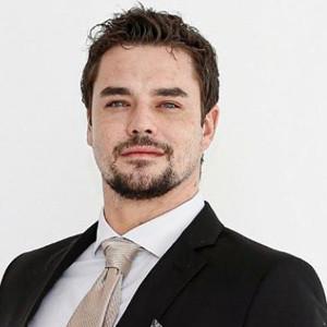 Nicholas Lyons - RE/MAX PK Properties Agent